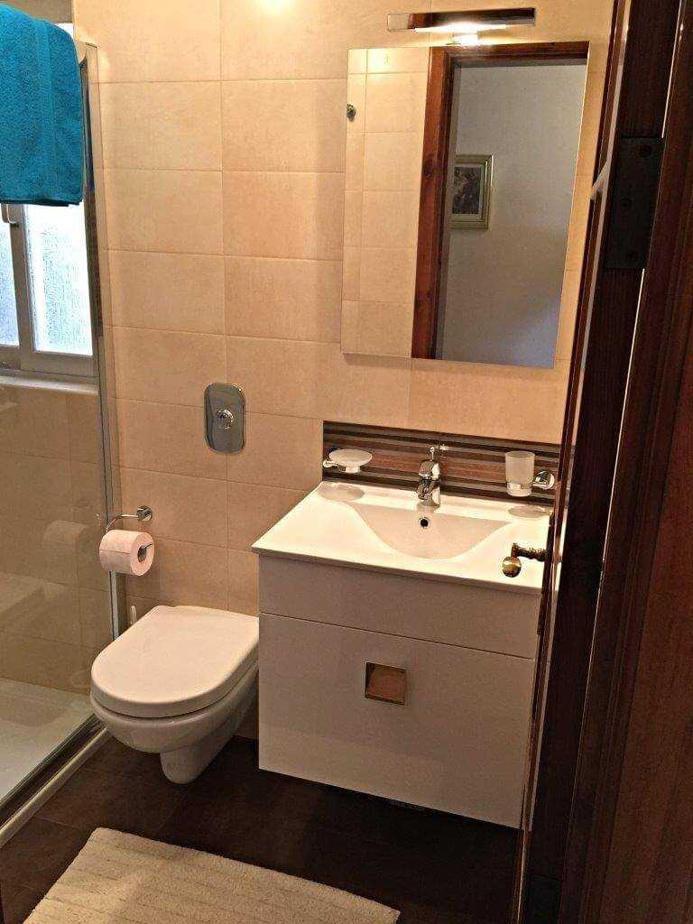 Z Bathroom 2